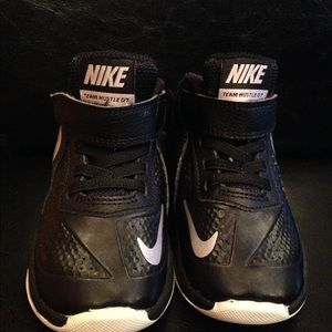 Nike Toddler Black High Top Shoes Size 6